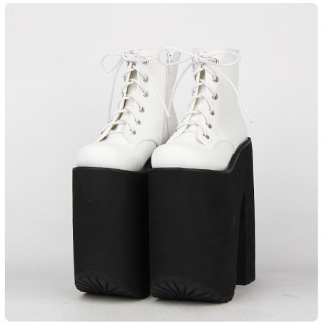 BOTTINES BLANCHES PLATEFORME GOTHIQUES