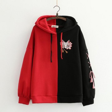 SWEAT A CAPUCHE KITSUNE RENARD NOIR ROUGE BORDERIE CHAUD